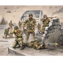 02509 Британские парашютисты 2-ой МВ (набор без красок и клея) Revell