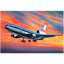 04211 Самолет McDonnell Douglas DC-10, масштаб 1:144(в набор не