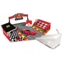 18-31209 Ferrari Игровой набор + 1 машинка 1:43 Bburago