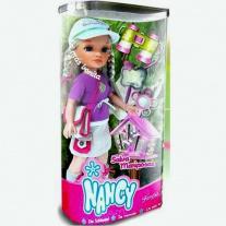 700008169 Куклы Нэнси ловит бабочек Famosa