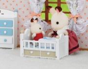"""2205 Набор """"Малыш и детская кроватка"""" Sylvanian Families"""